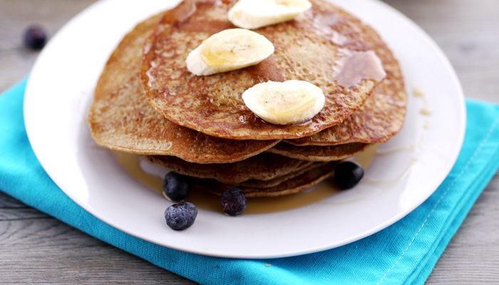 Cinnamon wholemeal banana pancakes