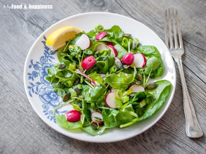 Radish & Leek green salad