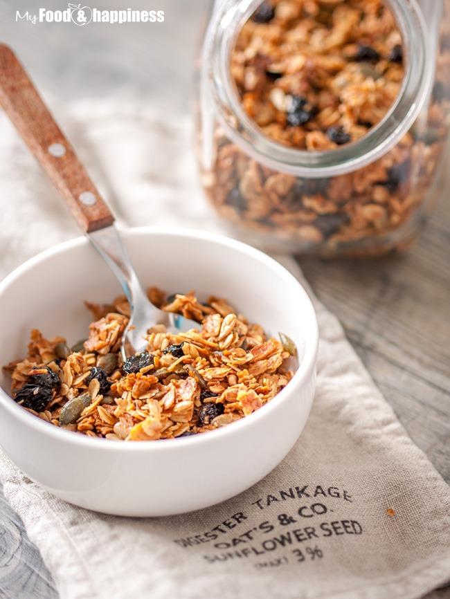 Simple homemade Maple granola - My Food & Happiness