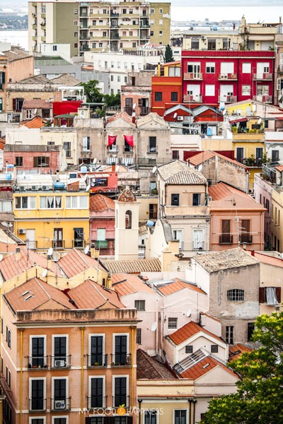 Explore the colourful districts of Cagliari in a day! See the beauty of the ancient city of Sardinia and discover the best panoramic spots in the old town and other points of interest for an amazing city walk. Plus, find out which are the best beaches around Cagliari!