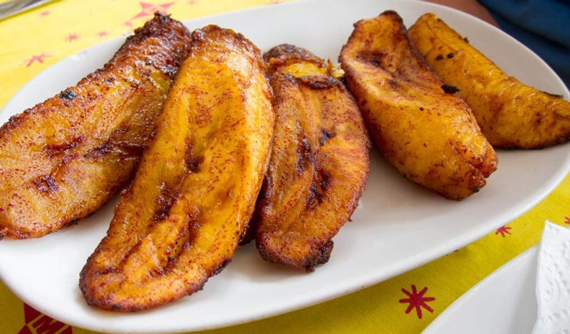 Banana Hasa (Fried Plantain) This is your tasty guide to Aruba: local food you must try, restaurant recommendations and how to experience the best of the local cuisine.