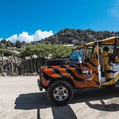 Aruba: Jeep Safari with Tequila (Video)