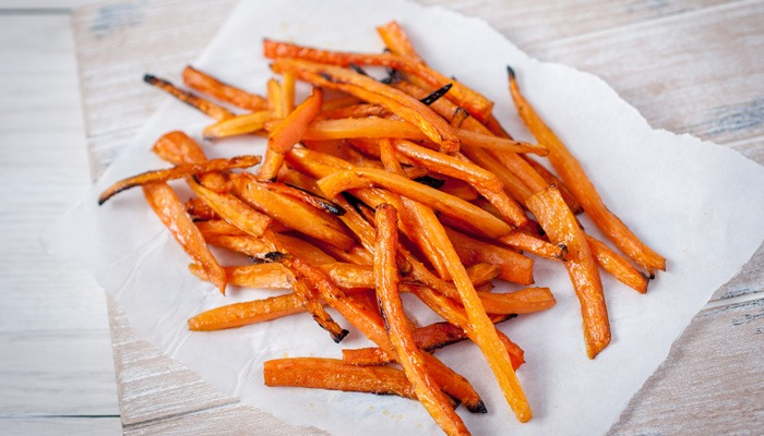 Oven-baked Carrot chips
