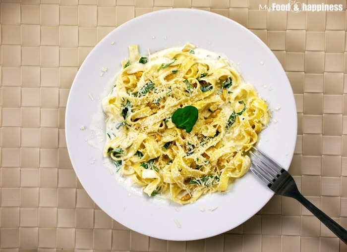Creamy Tagliatelle with spinach