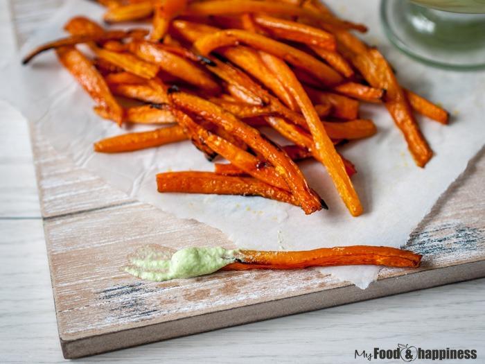 Vegan, dairy free cucumber dip/sauce with vegan snack carrot chips