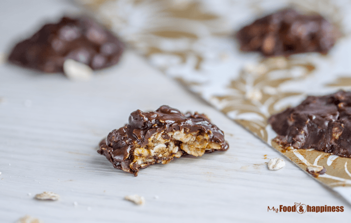 Simple Vegan chocolate oat no bake bites