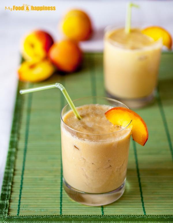 Easy, refreshing smoothie with peaches, banana, yogurt and honey.