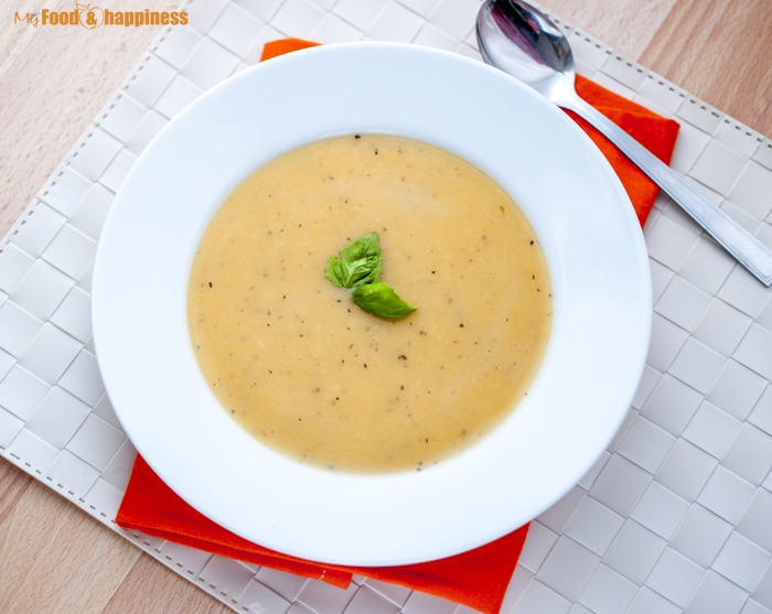 Quick and Simple and Quick Vegetable potato and carrot creamy soup