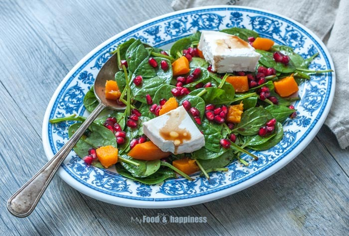 Spinach, Pomegranate, Pumpkin & Goat cheese Winter salad