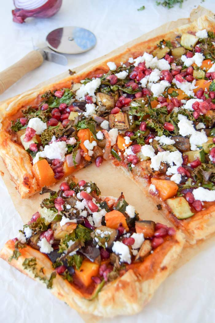 10 Veggie Mains bursting with fall flavours: Harissa, kale & Roasted vegetable tart by Celery & Cupcakes
