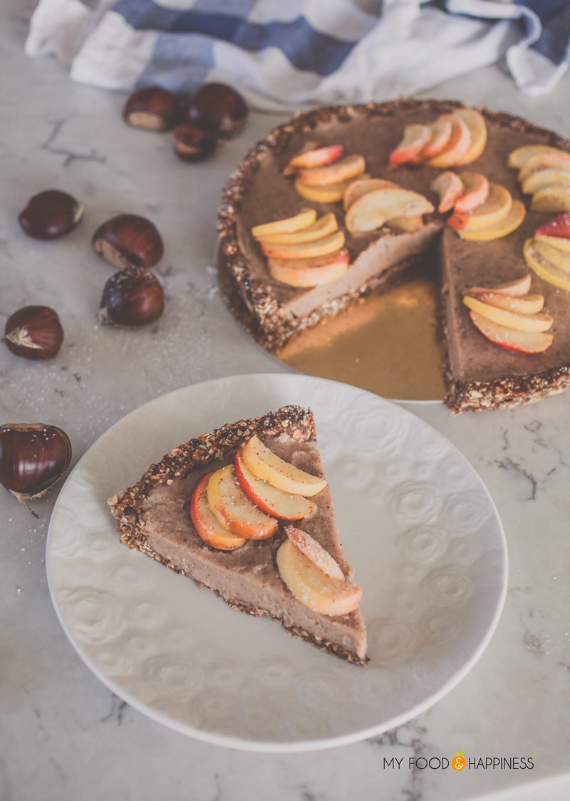 Vegan chestnut cream tart, topped with delicious cinnamon apples. This chestnut cream dessert is worth the extra trouble! Vegan and gluten-free tart, perfect for the autumn months.